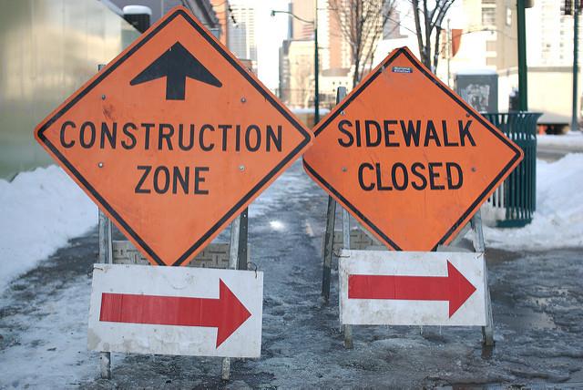 Under (de)construction